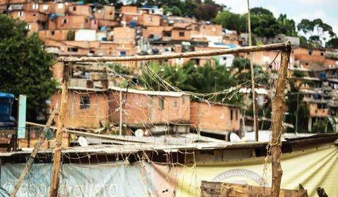 """De 9 a 11 de maio, acontece em São Paulo e nas cidades doRio de Janeiro, Curitiba Campinas e ABC Paulista o projeto""""Coleta"""". O encontro pretende denunciar a extrema pobreza em todo país e debater a verdadeira face da desigualdade social. Campanha ocorre de 9 a 11 de maio, em 18 locais da cidade.Ação é...<br /><a class=""""more-link"""" href=""""https://catracalivre.com.br/sp/cidadania/gratis/acao-voluntaria-denuncia-extrema-pobreza-do-brasil/"""">Continue lendo »</a>"""