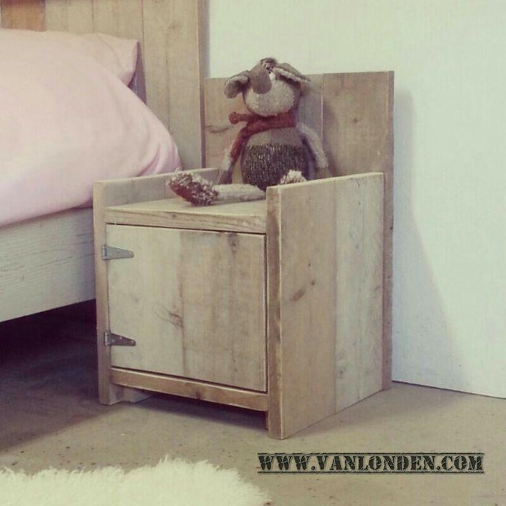 Nachtkastje / stoeltje van steigerhout
