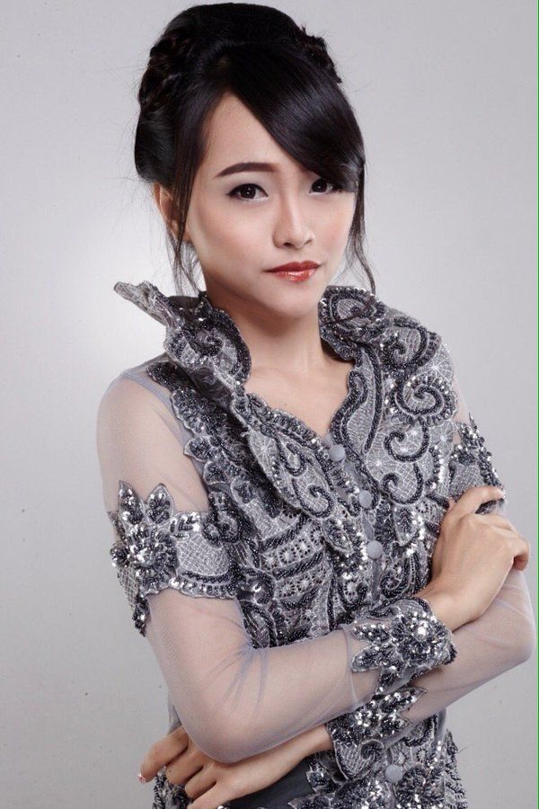Rona Anggreani (@Ayen_JKT48)   Twitter