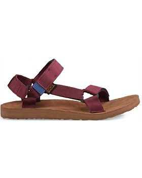 Channel the Everest of old in the Teva Original Universal Backpack Sandal featuring rich tones inspired by vintage mountaineering kit. Buy now http://www.outsidesports.co.nz/footwear/mens/casual/TUT1008638/Teva-Original-Universal-Backpack-Sandal---Men's.html#.VqmL91JnH7w