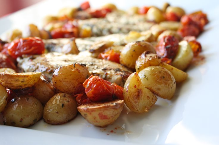 Team Canada Chicken via food from the 12. Chicken roasted with gorgeous grape tomatoes and baby potatoes.#Olympics #TeamCanada #recipe