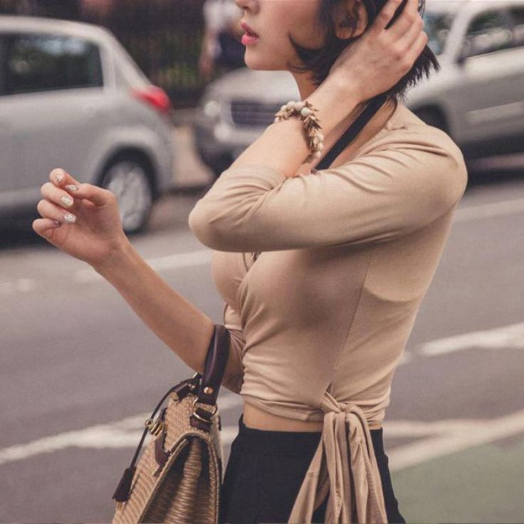 Футболка женщины с длинным рукавом новый бренд мода 2016 осень корейский тонкий хлопок глубоким v-образным вырезом сексуальный короткие черные топы и тис горячая распродажа s,
