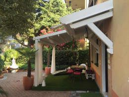 Сад  в . Автор – Tende Ravini