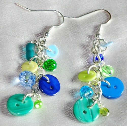 Green Button Bothy button and bead earrings