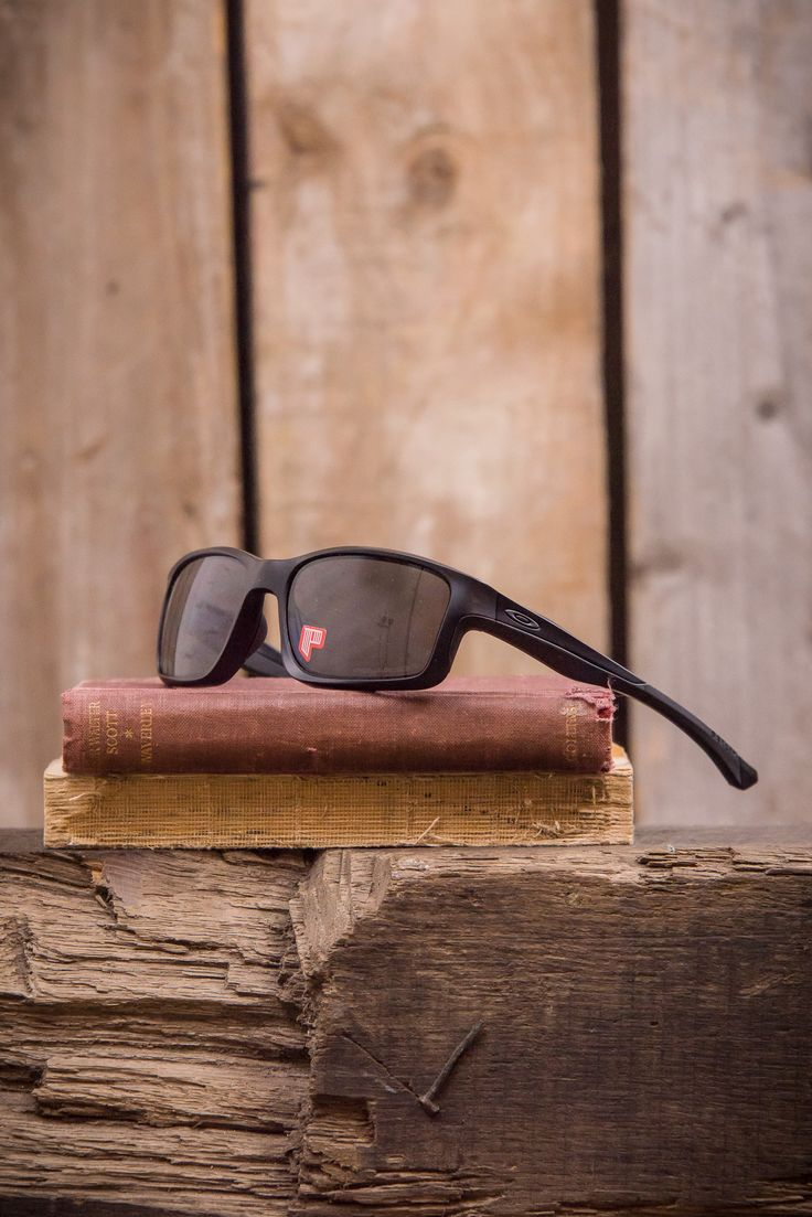 Oakley Chainlink Sunglasses - Matte Black Grey Polarized - Glasses - The Priory - 2
