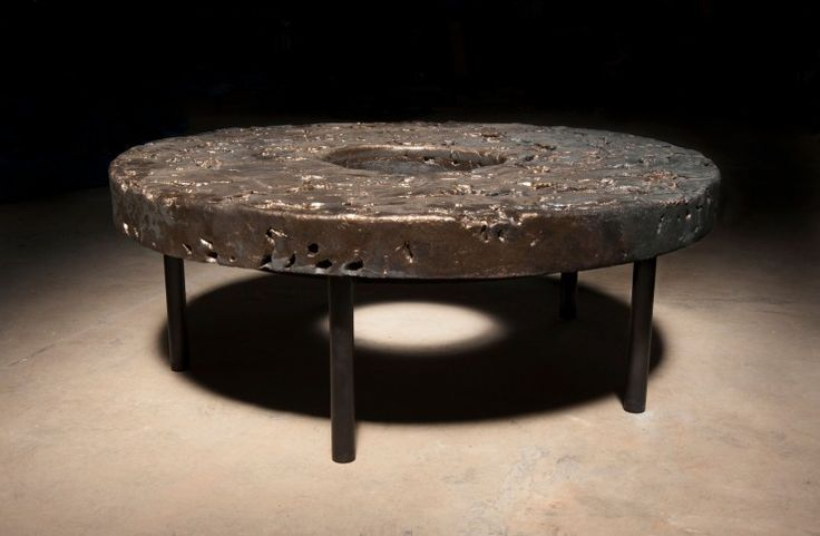 Table circulaire moon gold by peter lane