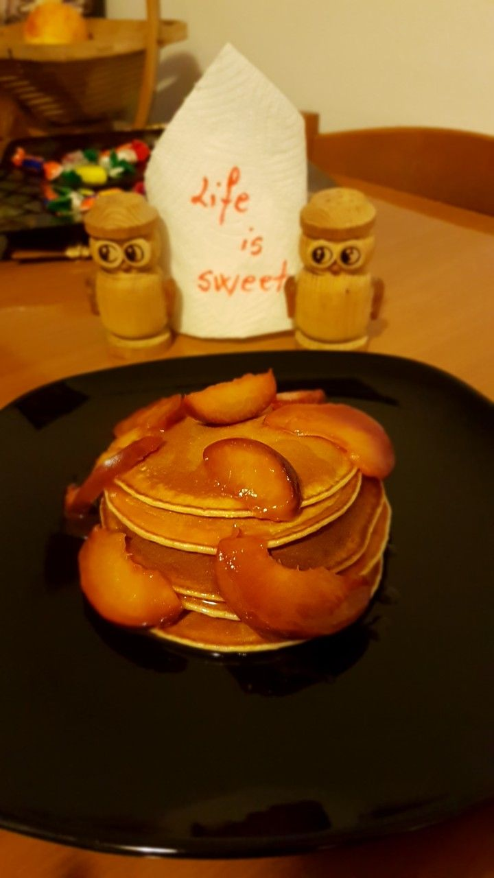 American pancakes with  homemade apricot jam