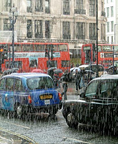 London rain                                                                                                                                                                                 Mais