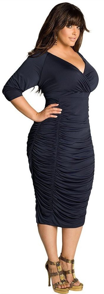 Any curvy girl would look good in this dress!
