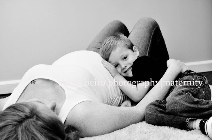 Pix For > Cute Family Maternity Pictures Ideas