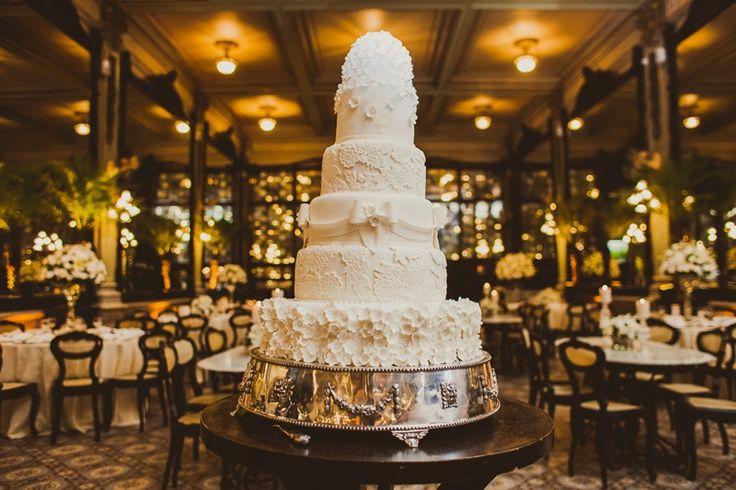 Casamento na Confeitaria Colombo: bolo artístico de cinco andares