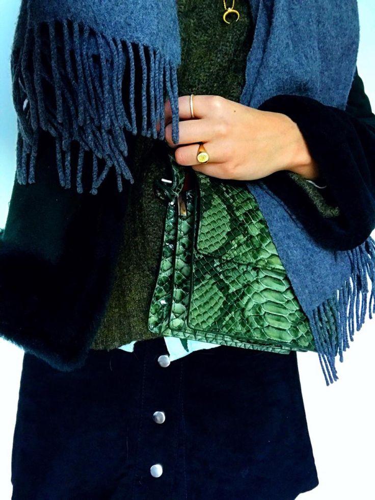 #hviskstylist #hvisk #fashion #blonde #girl #girly #style #stylish #emmabukhave #jewelry #ganni #snakebag #snake #green