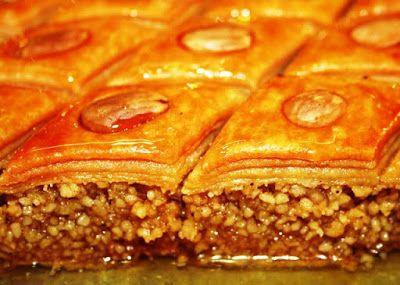 Bonjour les gourmands ,aujourd'huinous sommes en mi ramadan , je me dis que dansquelquesjours onva commencer les préparatifs ...