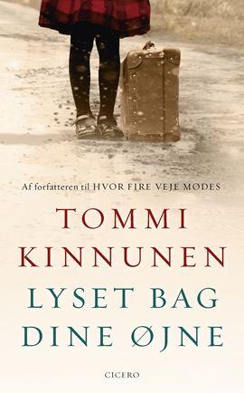 Den anmelderroste forfatter Tommi Kinnunen er tilbage med en uafhængig efterfølger til slægtsromanen, Hvor fire veje mødes. En gribende roman om at skille sig ud og finde sin egen vej, om ønsket om at blive far og kunsten at være mor.