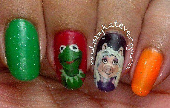 Kermit/Miss Piggy Nails