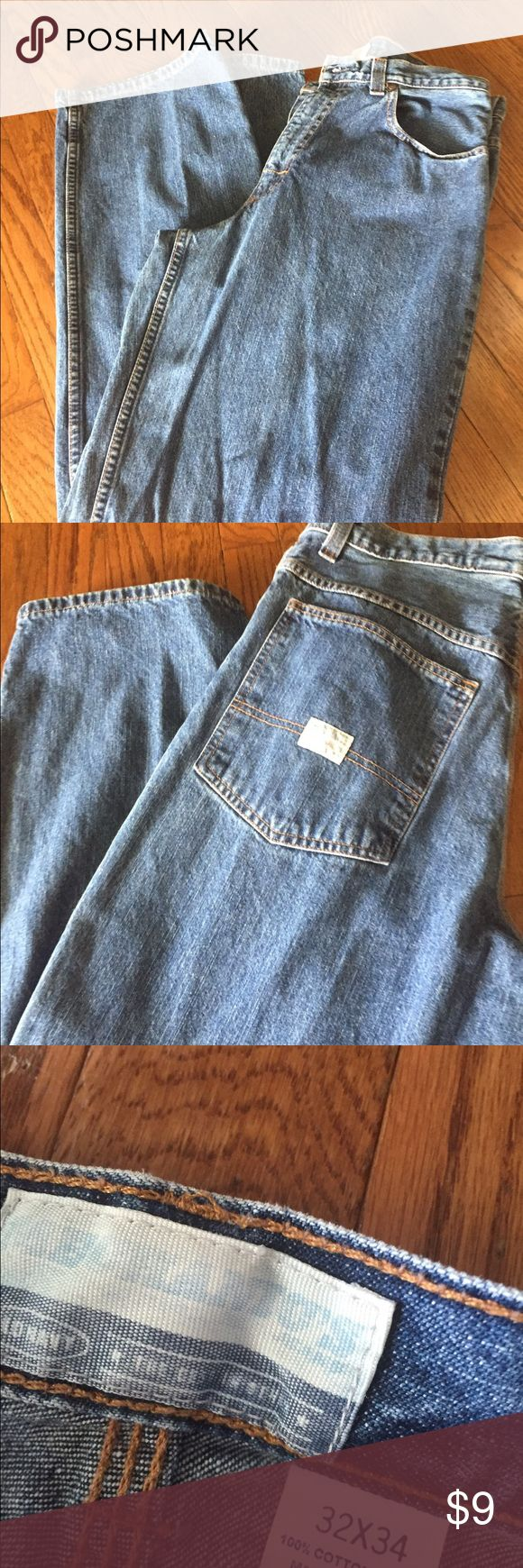 OLD NAVY JEANS Great comfy pair of my Old Navu jeans. No damage. Medium denim 32x 34 Old Navy Jeans Relaxed