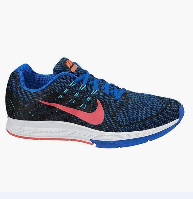 The #Nike Zoom Structure 18 #Running shoes feature foam layers that enhance the action of the foot. Have the shoes, thanks to the flywire lacing, a snug fit and provide the necessary support