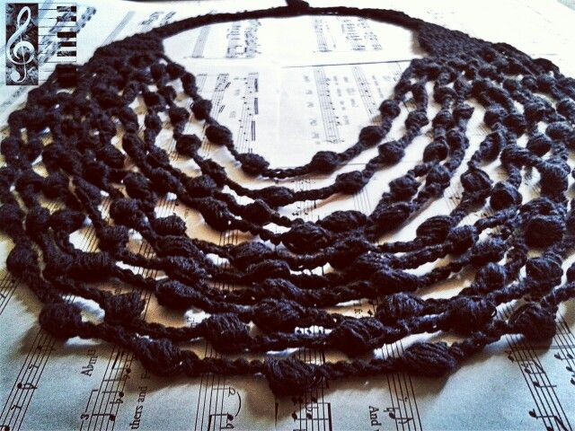 9$ necklace crochet