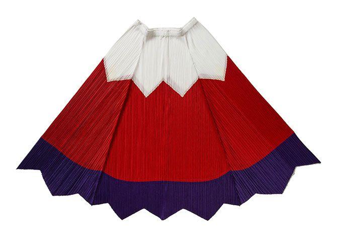 プリーツ プリーズ イッセイ ミヤケが、お多福トップス&富士山スカートを青山店限定で発売   ニュース - ファッションプレス