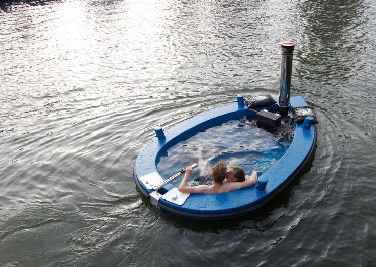 HotTug - Hot Tub Boat