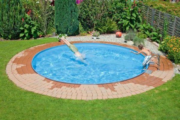 Kleiner Pool Im Garten Selber Bauen In 2020 Garten Pool Selber Bauen Pool Im Garten Schwimmbad Designs