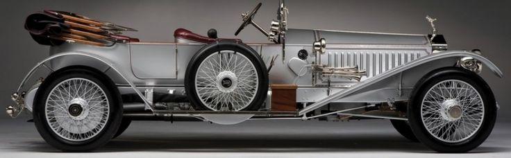 Henry Royce, in mod cert, nu a inceput sa creeze cea mai buna masina din lume atunci cand a proiectat Rolls-Royce Silver Ghost. De fapt, tot ce a dorit el a fost sa modifice modelul in 6 cilindri ce oferea o experienta de croaziera destul de dura si zdruncinatoare cu ceva mai fiabil, ceva mai lin si mai linistit. In timp Silver Ghost a suferit modificari substantiale care au imbunatatit imaginea unei masini clasice. Din 1913 fiecare masina Silver Ghost putea atinge o viteza de 130 ...