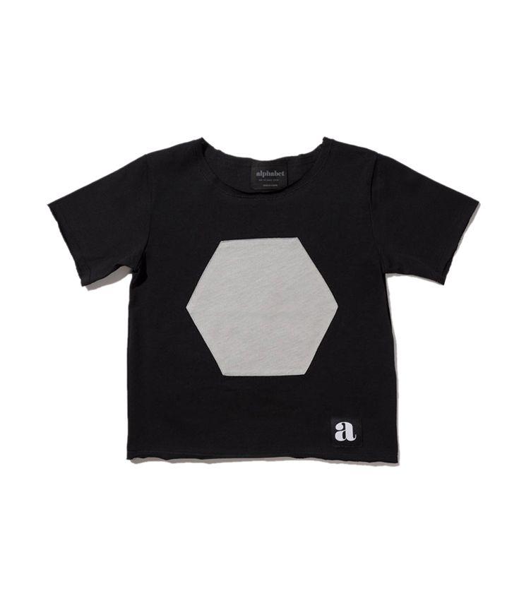 gray hexa patch t-shirt