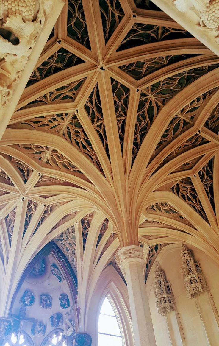 Ceiling of gothic medieval chapel: Visiting the Cluny Museum in Paris