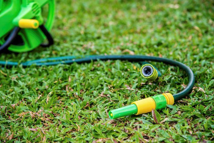 Vite, vite, une pelouse toute belle et bien verte, sans passer par l'étape… #pelouse #jardin #arrosage #tuyau #gazon #lawn
