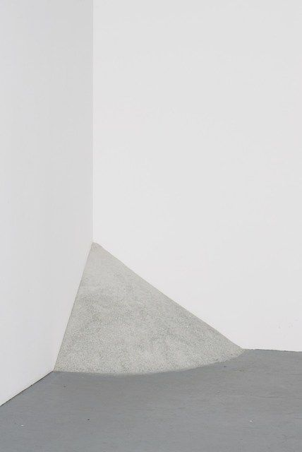 Alicja Kwade, Looking Glass (2012)