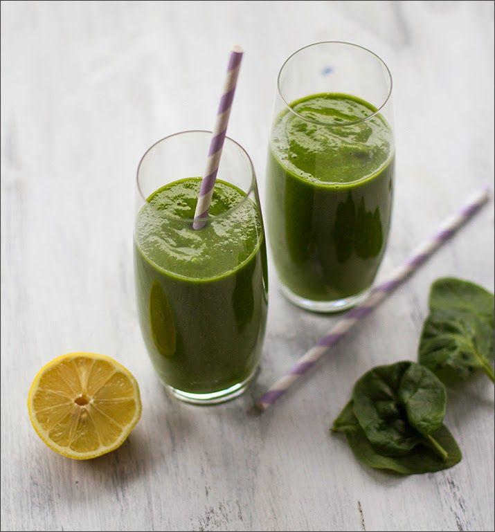 Mein erster Green Smoothie! Mit Spinat, Mango, Banane und Ingwer - nicht nur voll gesund, sondern auch noch voll lecker!