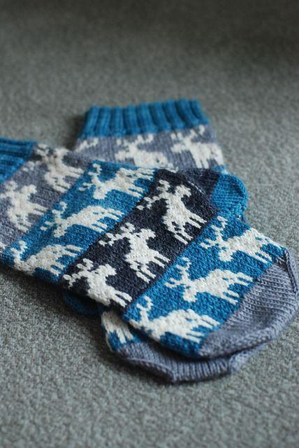 moose chart mittens free knitting pattern