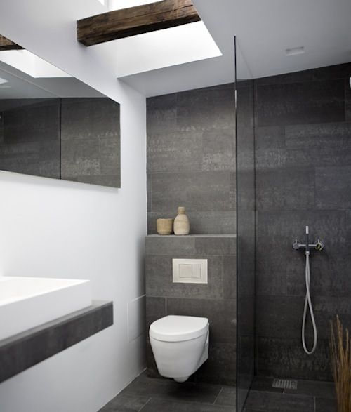 Beautiful #modern #bathroom with frameless glass shower, low-profile streamlined toilet (dual flush), rectangular #basin and natural light - #ensuite #home #design #interior
