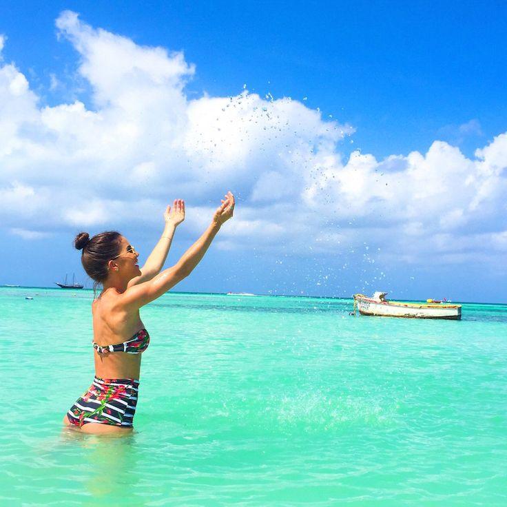 camila coelho em aruba usando bikini hot pants ysla