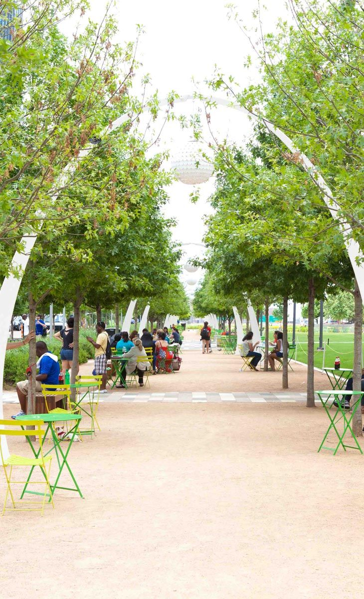 Read, play, dine and dance all in the same place - it's less than a fifteen-minute walk from Hyatt House Dallas/Uptown to Klyde Warren Park.