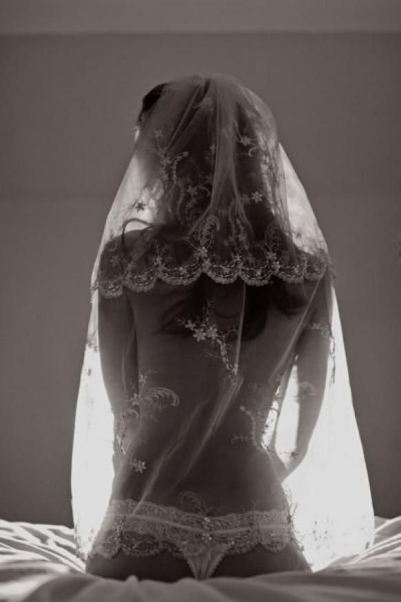 Sexy #Wedding Photography ♥ Best Boudoir Photos Weddbook