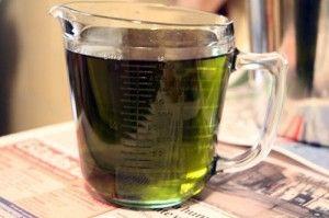 Cha de folha de abacate para curar infecção urinaria