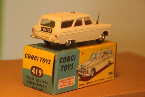 Corgi Toys 419 Ford Zephyr Police car