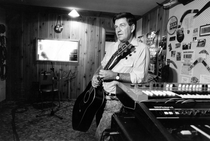 Lindsay Butler Studios - History Pin 1 - Lindsay Butler OAM in his Kootingal Studio - 1991. Photo courtesy of NDL  #ShazaLeigh, #LindsayButler, #LBSMusic, #australiancountrymusic, #NDL