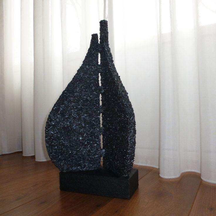 Abstract beeld of decoratie beeld met zijn mooie vorm is dit beeld een woonaccessoire passend - Beeld van decoratie ...