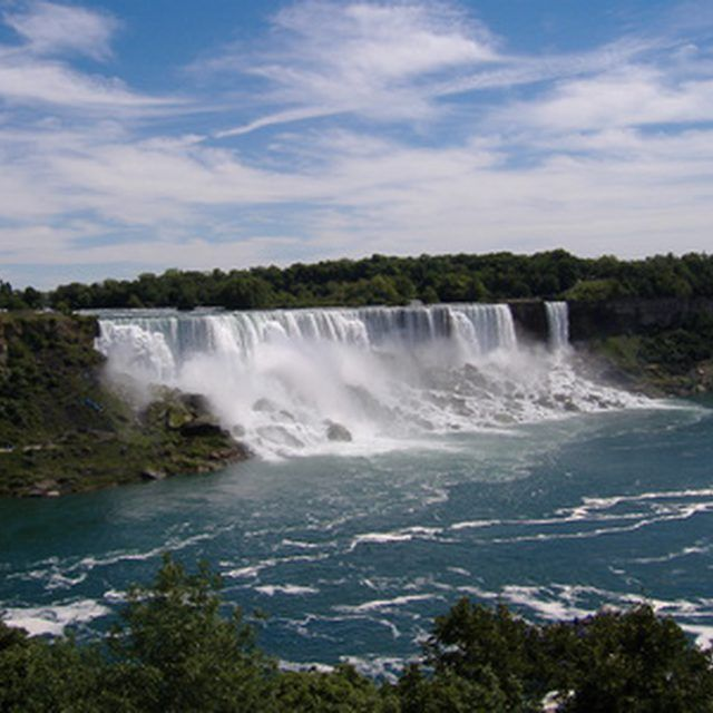 The entry requirements for visiting Niagara Falls can vary considerably.
