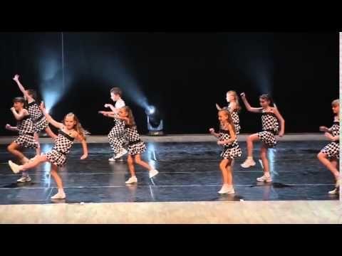 Дети танцуют чарльстон. Классный танец чарльстон