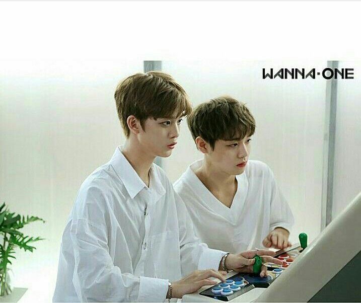 Bae jinyoung and Park jihoon♥🎀♥ #wannaone #playgames #perfect #produce101 #baejinyoung #parkjihoon