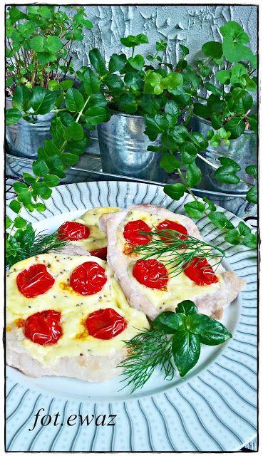 Ewa w kuchni: Schab z serem korycińskim i pomidorami