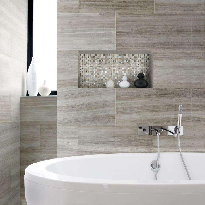 Bad Fliesen Ideen Bilder Moderne Badezimmergestaltung Freistehende Badewanne Glitzernde Mosaikfliesen In 2020 Badezimmer Bad Fliesen Ideen Badezimmer Einrichtung
