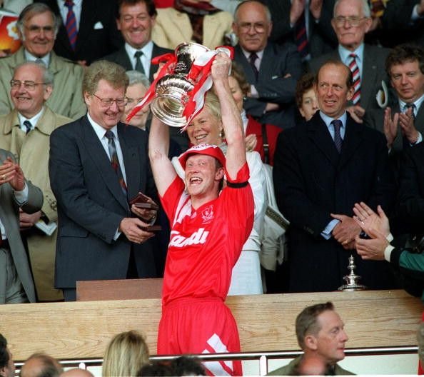 Liverpool Captain, Mark Wright, lifting Liverpool's 5th FA Cup in 1992, after a 2-0 win over Sunderland at Wembley. #LFC