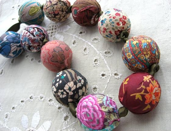 Get scrap happy with DIY fabric beads this year!