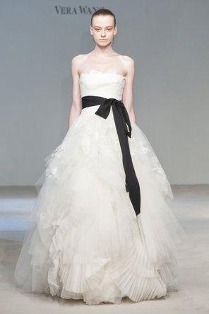 Vera Wang - Vera Wang 17: Verawang, Vera Wang, Wedding Inspiration, Wedding Dressses, White Wedding, Wedding Dresses, Wedding Ideas, Weddings