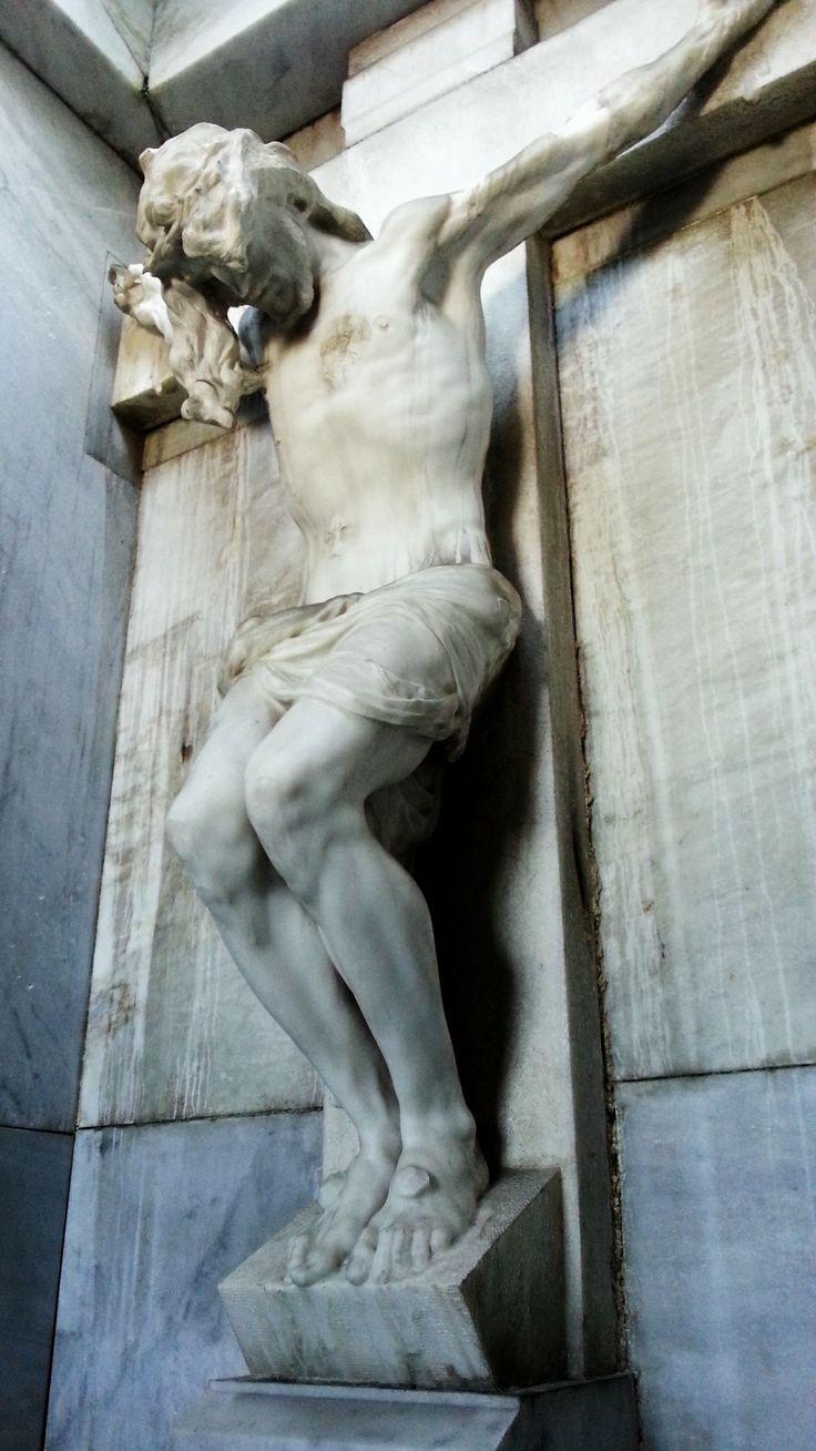 """Cristo """"fusilado"""" de Benlliure en el Panteón de los Duques de Denia (1904) #Cementerio #Madrid #SanIsidro"""