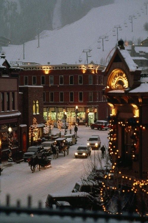 Carriages in the Snow, Leavenworth, Washington >>> Oh this is beautiful. Really puts me in the mood for the holidays.